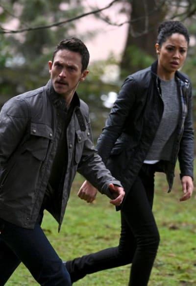 Bryan and Finola on the Move - Debris Season 1 Episode 1