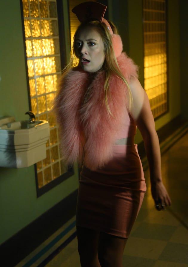 On the Move - Scream Queens Season 2 Episode 9