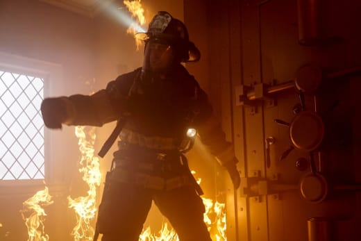 A Restaurant in Flames - Chicago Fire