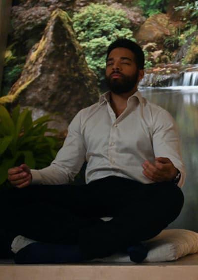 Simon meditate - Zoey's Extraordinary Playlist Season 2 Episode 4
