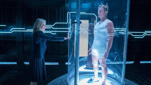 Stasis Pod - Marvel's Runaways Season 2 Episode 5
