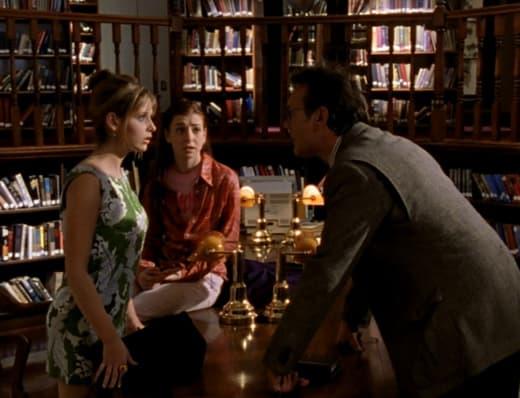 Teenage Slayer Priorities - Buffy the Vampire Slayer Season 1 Episode 5
