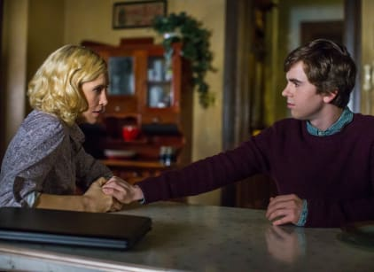 Watch Bates Motel Season 3 Episode 4 Online