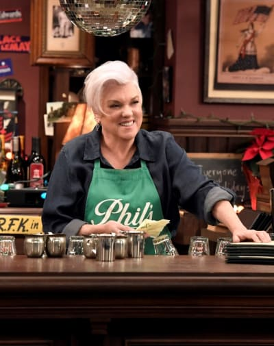 Phyllis Runs the Bar - Murphy Brown Season 11 Episode 13