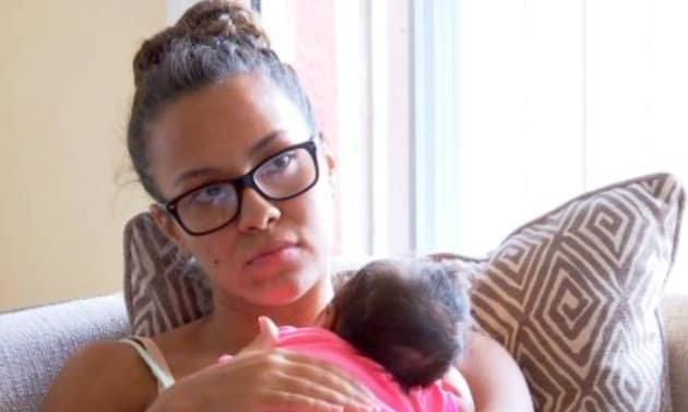 Briana Holds Her Baby - Teen Mom 2