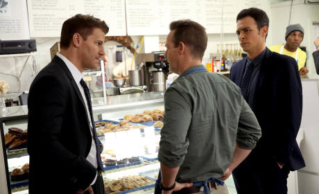 Booth and Aubrey Question the Owner - Bones Season 10 Episode 13