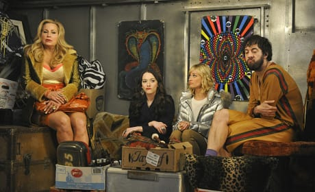 Moving In - 2 Broke Girls