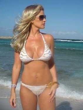 Kim Zolciak Bikini Pic