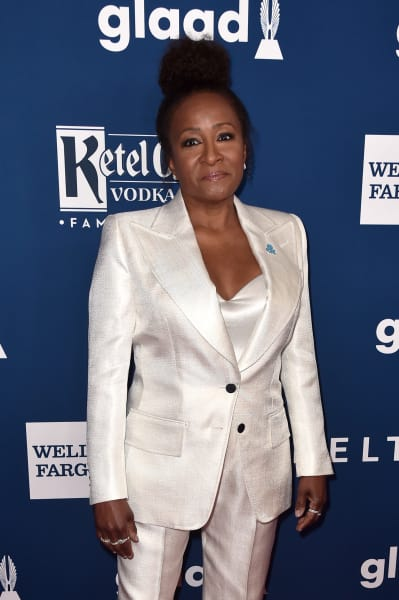 Wanda Sykes Poses for a Photo Op