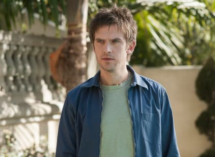 Watch Legion Season 2 Episode 3 Online