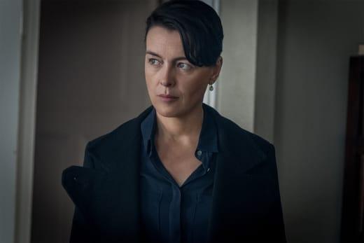 OEmily Looks Annoyed - Counterpart Season 1 Episode 8