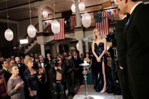 Serena faces final three in black tie  - UnREAL Season 3 Episode 9