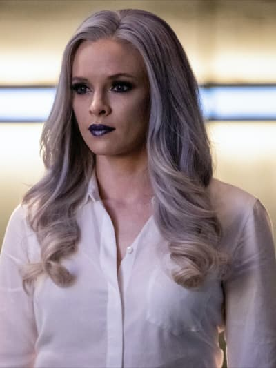 Killer Frost in Pain - The Flash Season 5 Episode 10