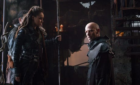 Advising the Commander - The 100 Season 3 Episode 7