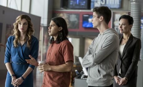 Cisco's Confused - The Flash Season 3 Episode 10