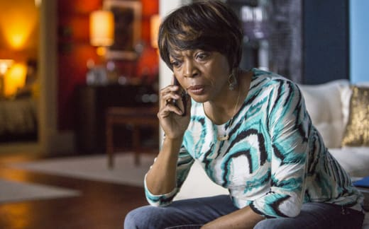 Aunt Vi Worries - Queen Sugar Season 1 Episode 8