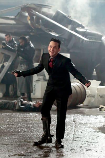 Penguin is the King - Gotham Season 5 Episode 1