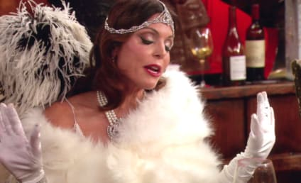 Watch The Real Housewives of New York City Online: Holidazed and Confused