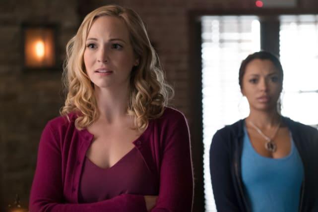 We Need Help - The Vampire Diaries Season 8 Episode 10