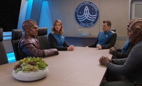 Meeting with Vorak - The Orville Season 1 Episode 3