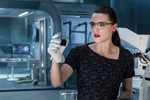Lena Hard at Work - Supergirl Season 3 Episode 21
