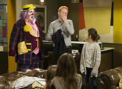 Watch Modern Family Season 7 Episode 14 Online