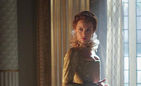 Queen Elizabeth - Reign Season 3 Episode 1