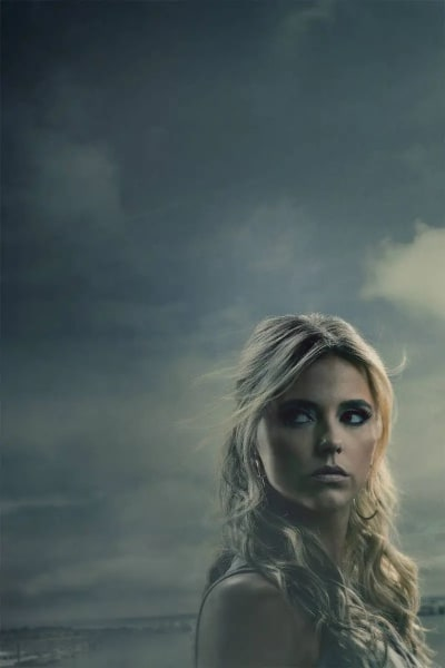 Riley Voelkel as Renee - Hightown