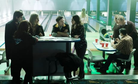 Bowling with the family - The Magicians Season 2 Episode 11