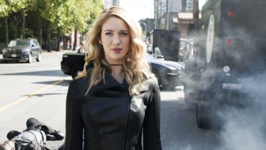 Psi Wreaks Havoc - Supergirl Season 3 Episode 2