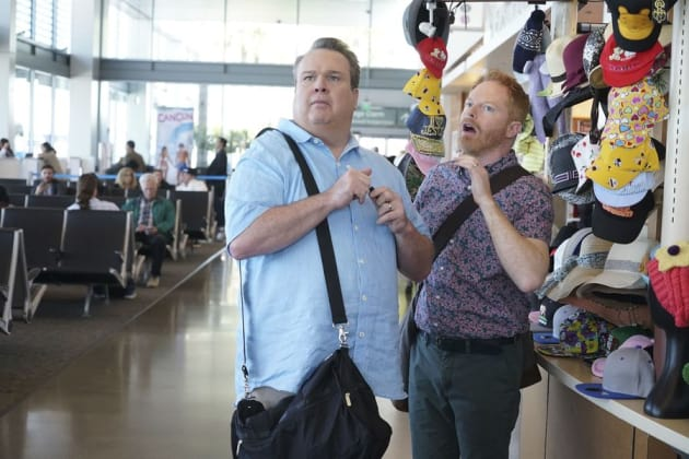 Catching a Flight - Modern Family