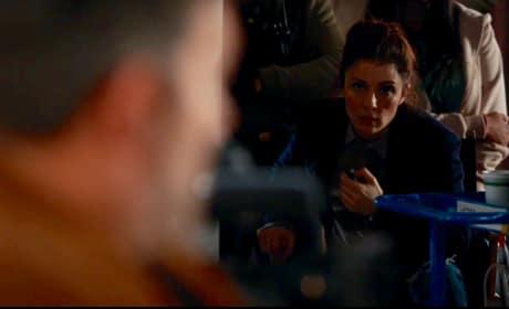 UR_303 Rachel  assures coaches Chet in Interview. - UnREAL Season 3 Episode 3