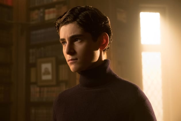 Fashion Sense - Gotham Season 3 Episode 13
