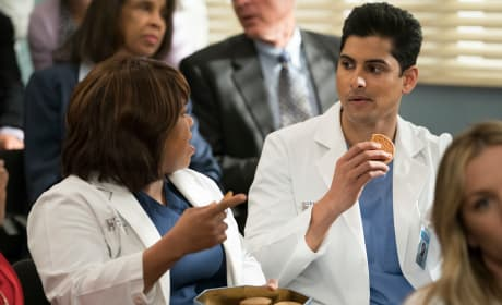 Getting Baked with the Chief - Grey's Anatomy Season 14 Episode 20