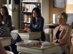Pretty Little Liars Season 3 Finale Scene
