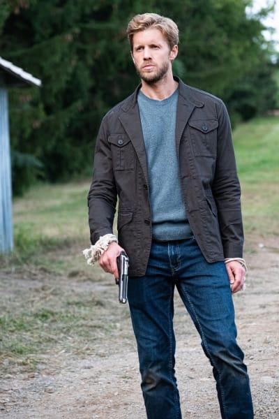 Armed and Dangerous - Blood & Treasure Season 1 Episode 9