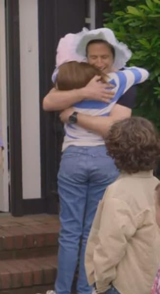 Kristy and Watson hug - The Baby-Sitters Club Season 2 Episode 8