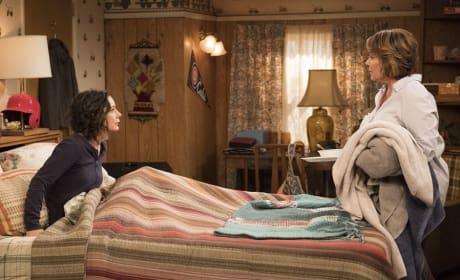Just Like Old Times - Roseanne Season 10 Episode 3