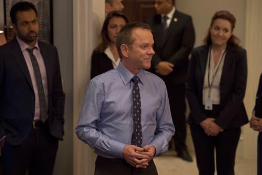 Kirkman & staff - Designated Survivor Season 2 Episode 1