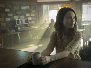 Laura at the Counter - American Gods Season 2 Episode 7