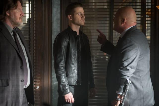 Barnes on the Rampage - Gotham Season 3 Episode 1
