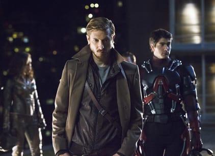 Watch DC's Legends of Tomorrow Season 1 Episode 1 Online