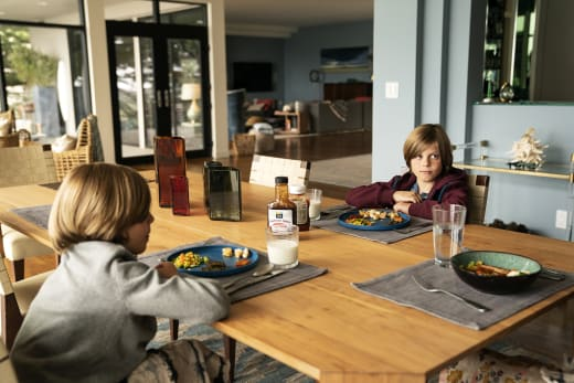 Twins at the Table - Big Little Lies Season 2 Episode 5