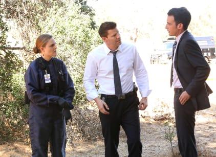 Watch Bones Season 10 Episode 6 Online