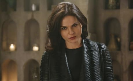 Regina Goes Undercover - Once Upon a Time Season 4 Episode 15