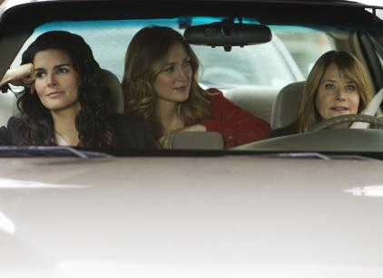 Watch Rizzoli & Isles Season 2 Episode 3 Online