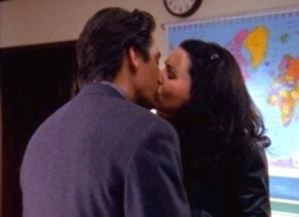Watch Gilmore Girls Season 1 Episode 11 Online