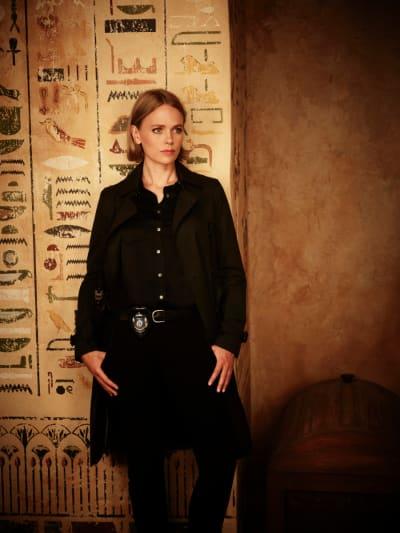Katia Winter in Blood & Treasure