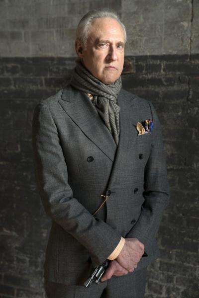 A villain with a gun - The Blacklist Season 4 Episode 14
