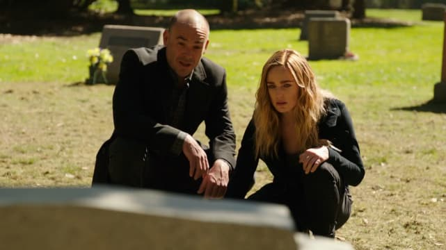 Sara Finds out about Laurel's Death on Legends of Tomorrow